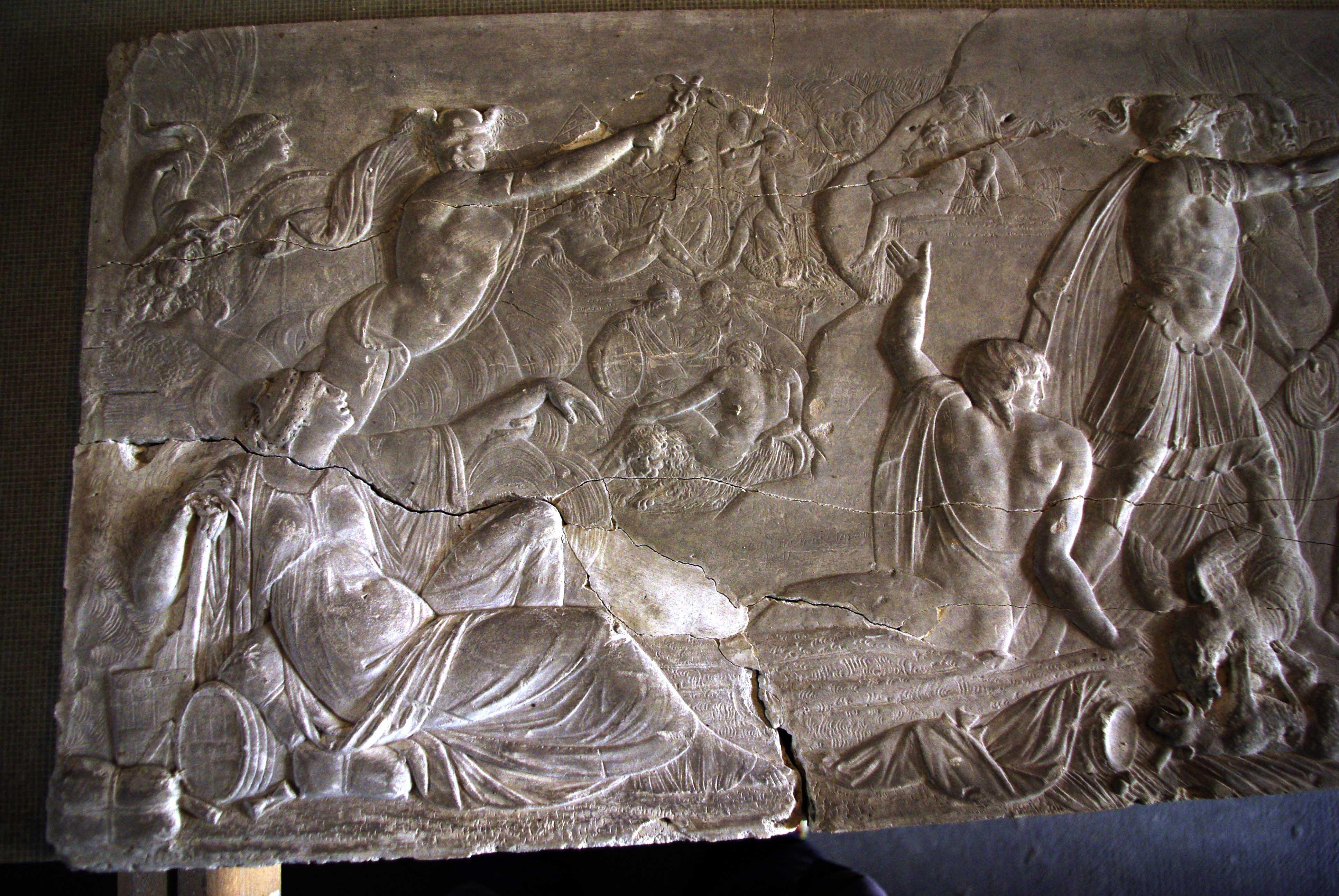 Fulbert Dubois restauration patrimoine sculpture restauration relief plâtre avant